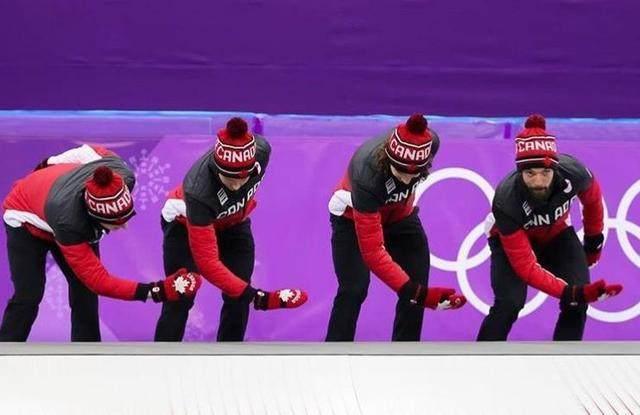 加选手戴手套握手嘉宾疑表达不满 与中国握手全摘了