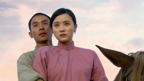 值得一提的是曾经合作过《陆垚知马俐》,《闯关东》的朱亚文和小宋佳