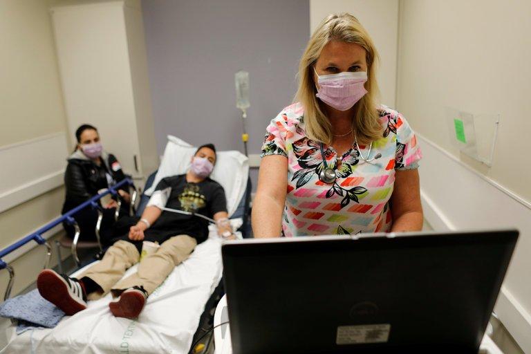 一场致命流感后 美国各地药房内的抗病毒药物卖到脱销