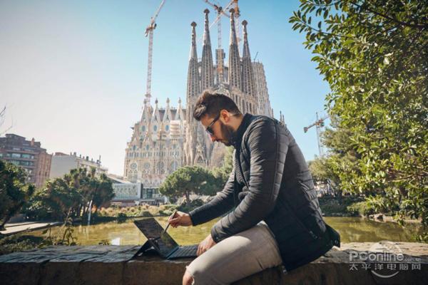 在巴塞罗那使用Miix 630二合一笔记本