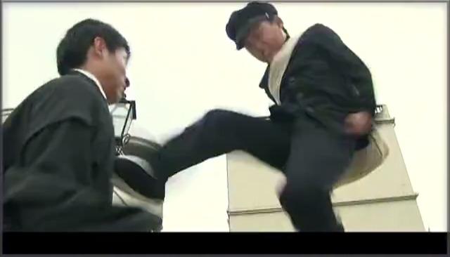 霍元甲儿子教训日本鬼子,这身手要逆天了!有当年老爹的风采!