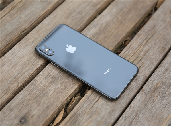 苹果负优化£¿iPhone X用热后狂降频£º性能跌3成