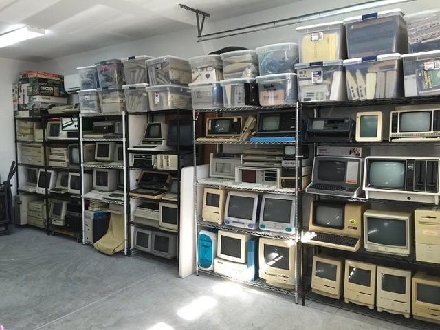 垃圾佬的巅峰 美男子收藏旧电脑导致搬家困难