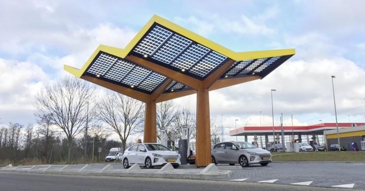 为迎接电动汽车的未来,欧洲多个超级充电网络发力充电站建设