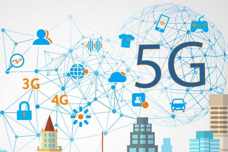 3月4日消息,全国人大代表、中国信息通信研究院院长刘多表示,5G第一版国际标准将于今年6月完成。我国5G研发试验第三阶段将于今年年底前完成,重点是系统验证。此外,我国已启动5G应用征集大赛,向全社会征集5G特色创新应用。 网络的质量和速度决定着数字经济发展的质量和速度。3G跟跑、4G并跑的中国,正努力在即将到来的5G时代实现领跑。刘多说,我国在全球最早启动5G试验,在北京怀柔建设了全球最大5G试验网络,加速产业链的合作与技术的成熟。目前,我国提交5G国际标准文稿占全球32%,牵头标准化项目占比达40%,