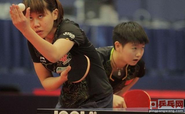 同样是模仿平野美宇,2人成世界冠军,1人黯然退役