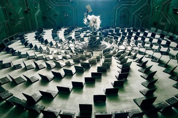 看!这些电子垃圾竟然变成了艺术品