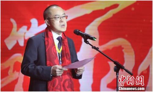 古井集团党委副书记、总裁李培辉在会上发表讲话