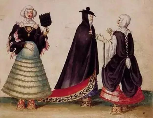 孟驰_高跟鞋、长筒袜、蕾丝花边……这些都曾是地道的男人装