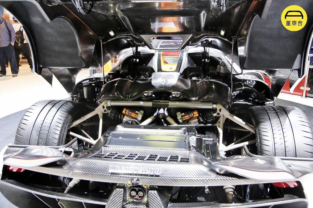 0t v8 发动机和三台电动机输出的狂暴系统没有变速器,这么台车只有一