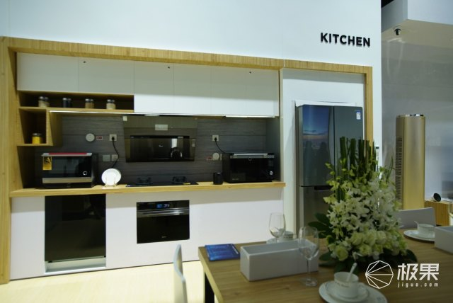 美的厨电全语音智能厨房体验:语音控制全场厨电,边唱歌边教我做菜