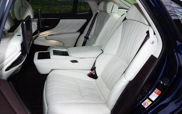 全球唯一搭载10AT变速箱的豪华旗舰轿车   秒杀奔驰S宝马7奥迪A8