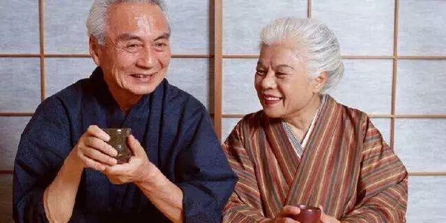 日本20至40岁男子人口_日本40岁以上的女艺人