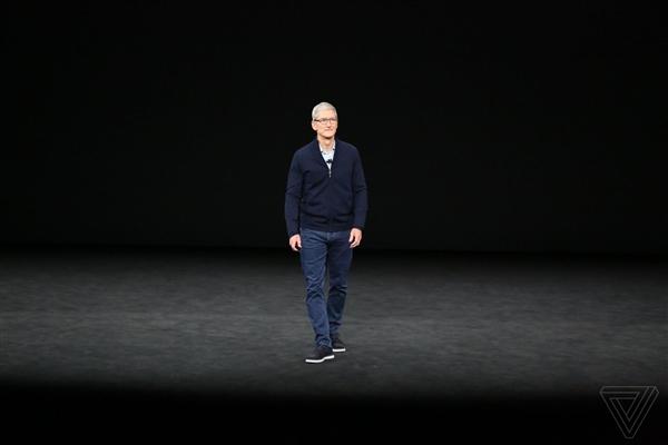 霍金去世苹果CEO库克发文缅怀:名字拼错了