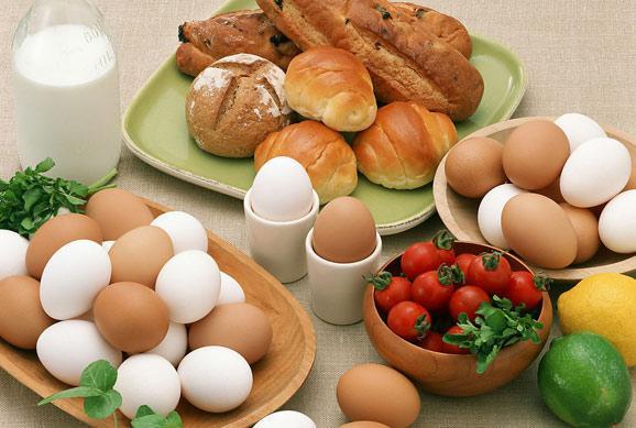 晚餐吃鸡蛋减肥吗_早餐为什么要吃鸡蛋?有助减肥,更耐饿!