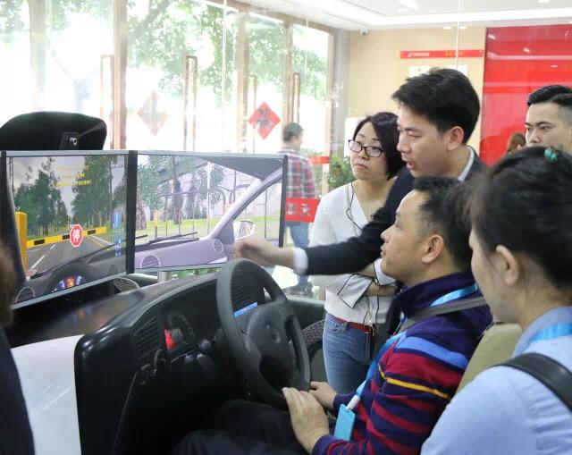 深圳驾培市民开放日,睿航模拟器安全驾驶系统
