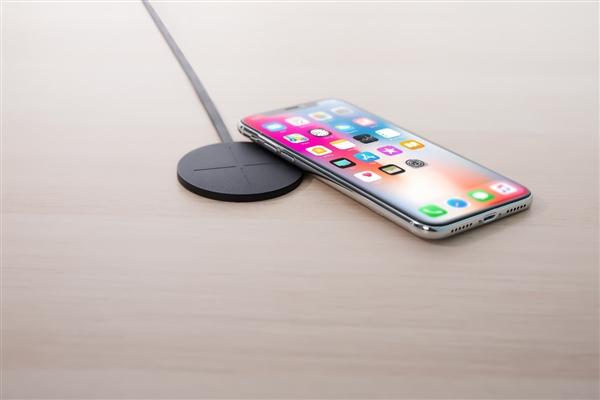 南孚推出一分极速3d最薄无线充:79元/小如饼干