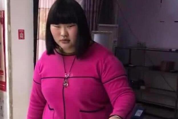 大衣哥朱之文的儿女吃的太好,长大后居然双双胖成球