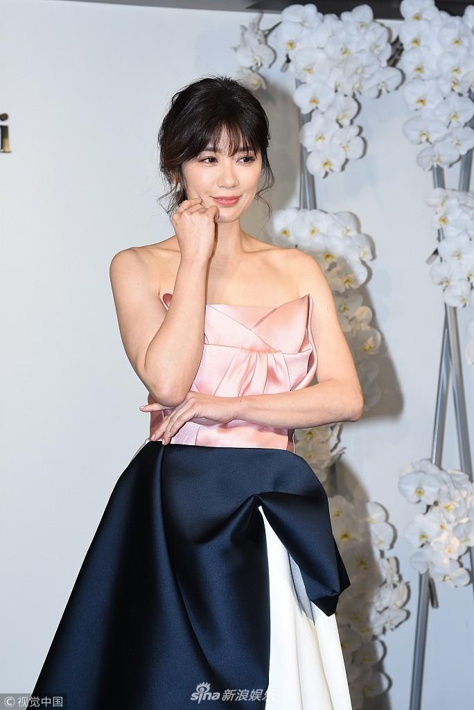 贾静雯 礼服 服饰潮流 图2