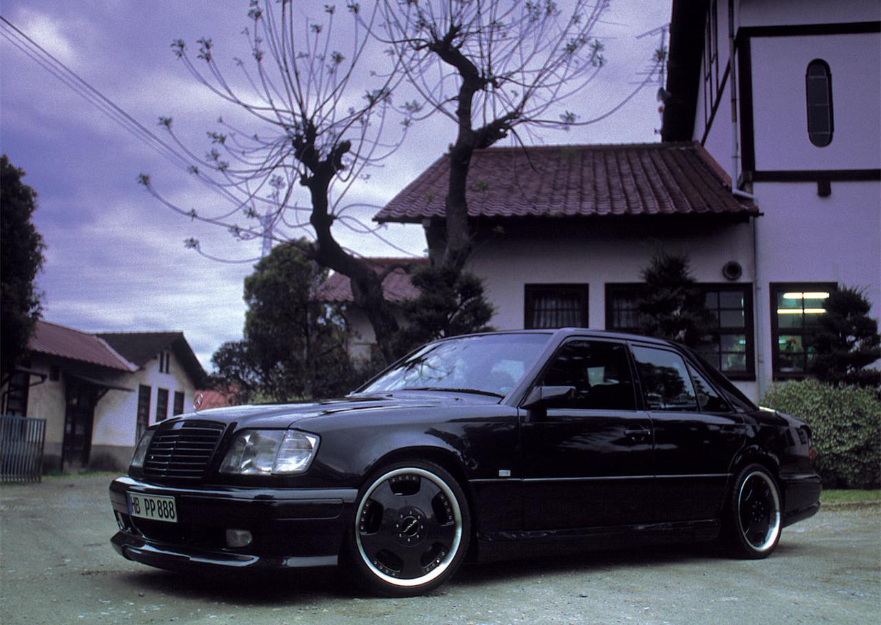 Wald-Mercedes-Benz_W124_E-1997-1280-03.jpg