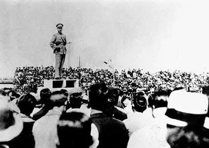 孙中山逝世后国民党物实际核心人为何是某苏联顾问