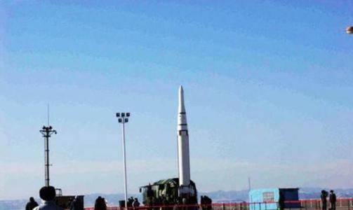 中国钻�����(c_中国新型钻地炸弹威力巨大,专打敌人跑道和机库!