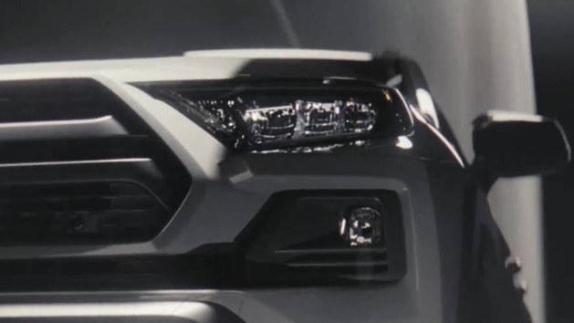 丰田全新RAV4预告图发布 于纽约车展首发