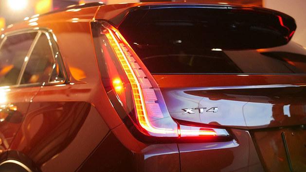 2018纽约国际车展 凯迪拉克XT4正式亮相
