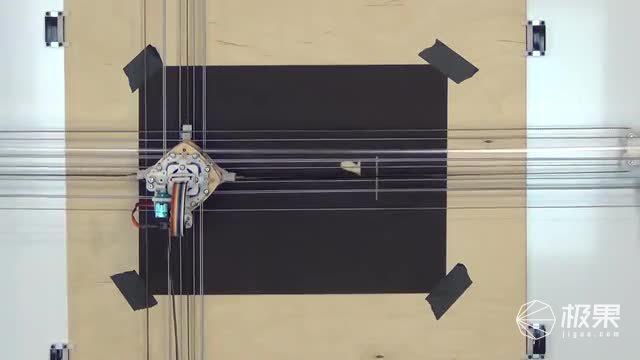 Utensil壁挂式绘画机器人
