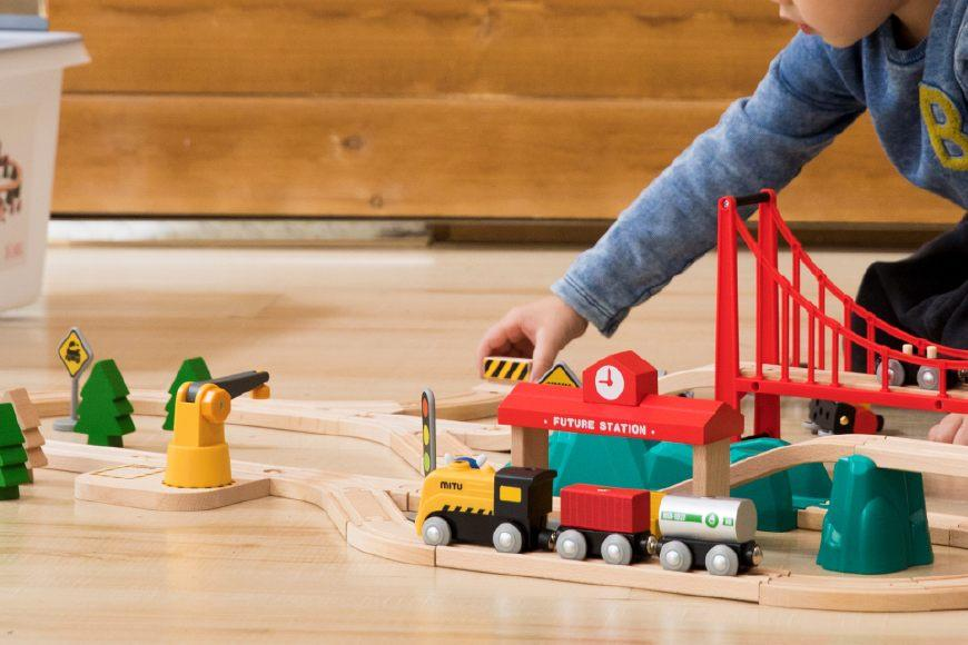 小积木大智慧,小米推米兔轨道积木电动火车套装