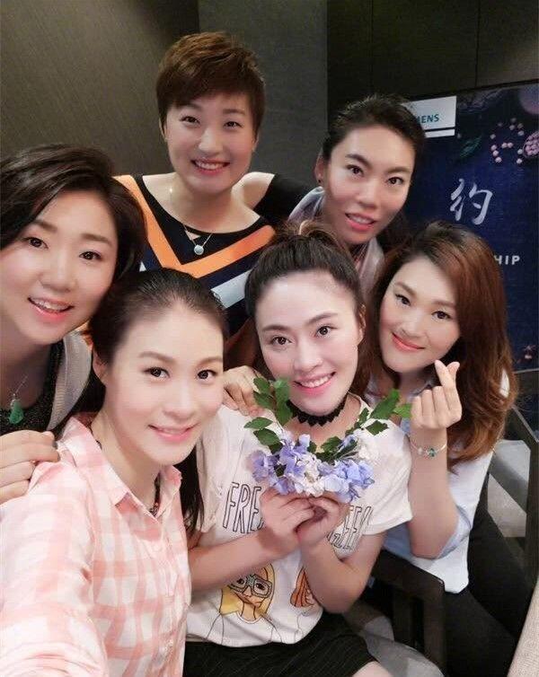 中国女排第一美人37岁单身令球迷疼惜,生活幸福不比惠若琪