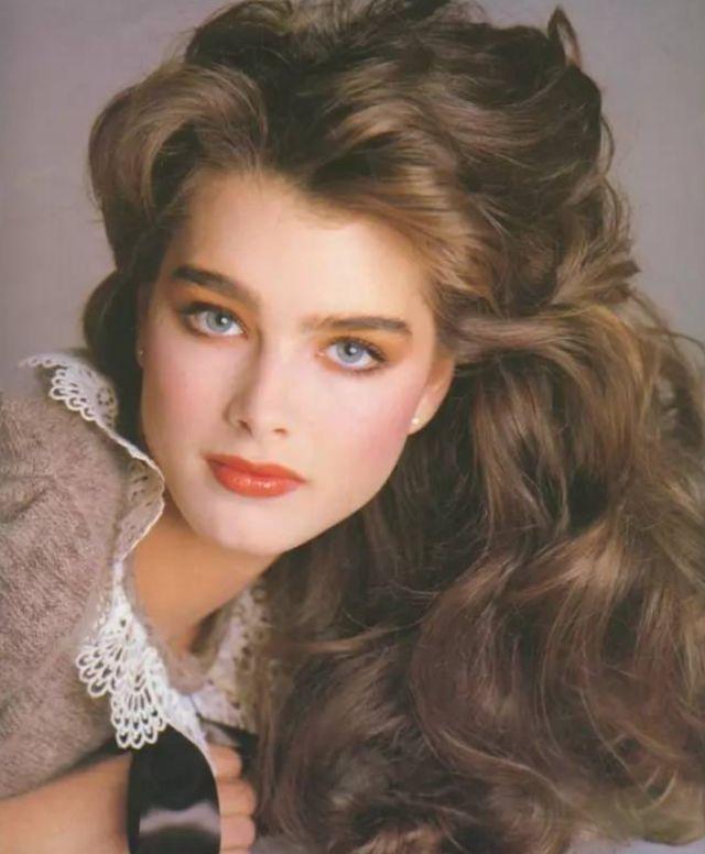 猫王杰克逊原标题:10岁登上花花公子,她的美貌曾被誉为世界第