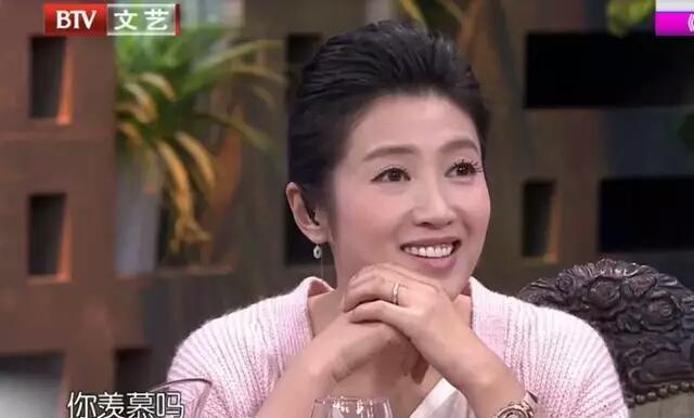 36岁依旧单身?赵蕊蕊:不是结婚有孩子就是幸福,谢杏芳尴尬了