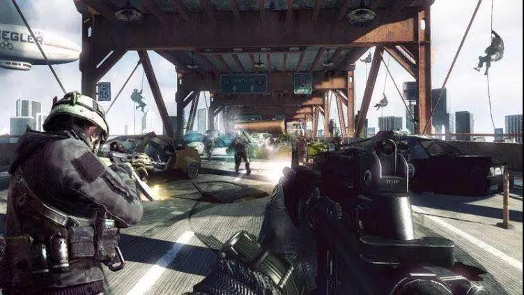 《使命召唤online》中的桥头战斗场景