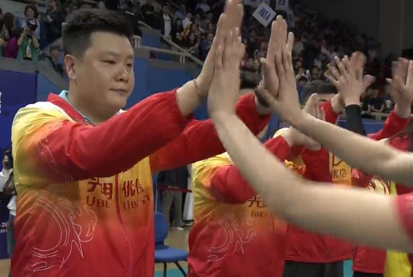 虽败犹荣!上海女排老将们已足够精彩,她们输了但女排联赛赢了