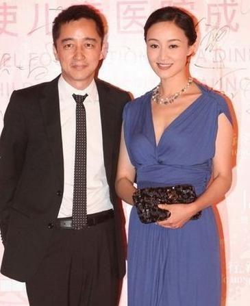 42岁赵子琪两个女儿近照曝光,姐妹俩共用一张脸,基因太强大了!