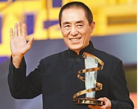 34岁后母_毕业后进入广西电影制片厂担任摄影师,34岁因电影《一个和八个》获
