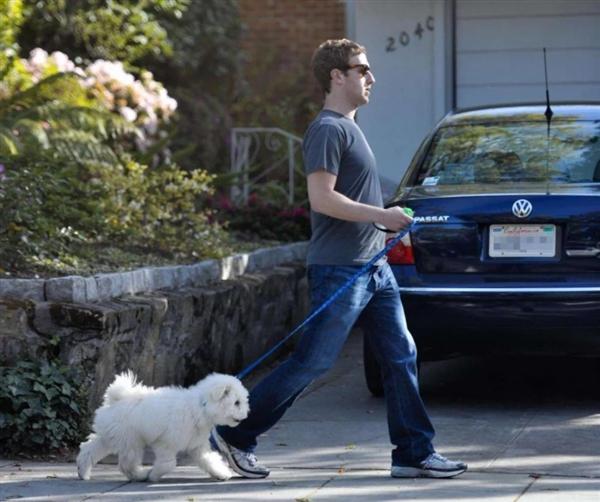 网友重提2011年往事 指责扎克伯格只注重自己隐私