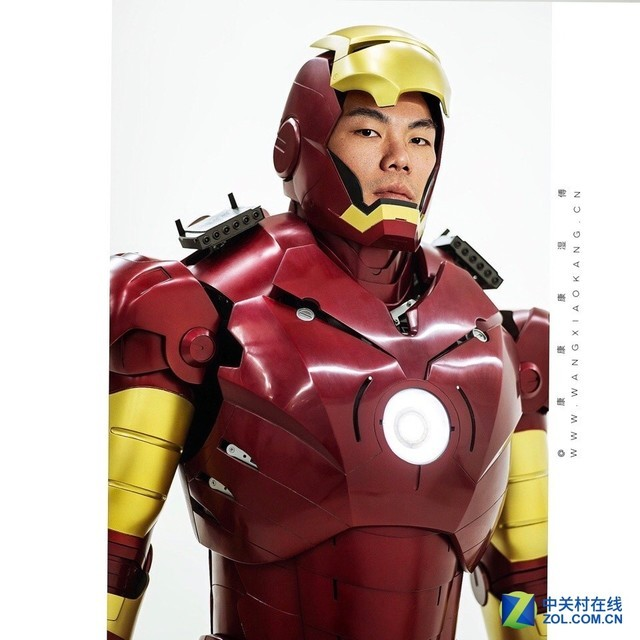 花10年造钢铁侠全身盔甲的3D打印之路