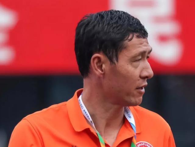 中国教练的最大希望:49岁名帅带队4战全胜仅丢1球!
