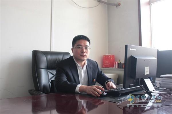 一汽解放汽车销售有限公司市场部部长吕武峰先生