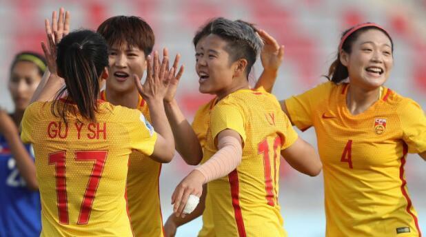 中国女足强势打进世界杯 球员收入低到只能租房住