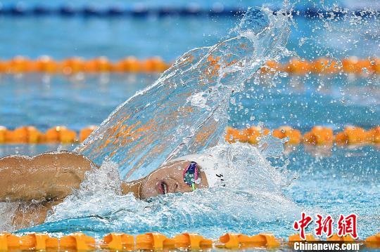 孙杨在男子400米自由泳决赛中夺冠。 武俊杰摄