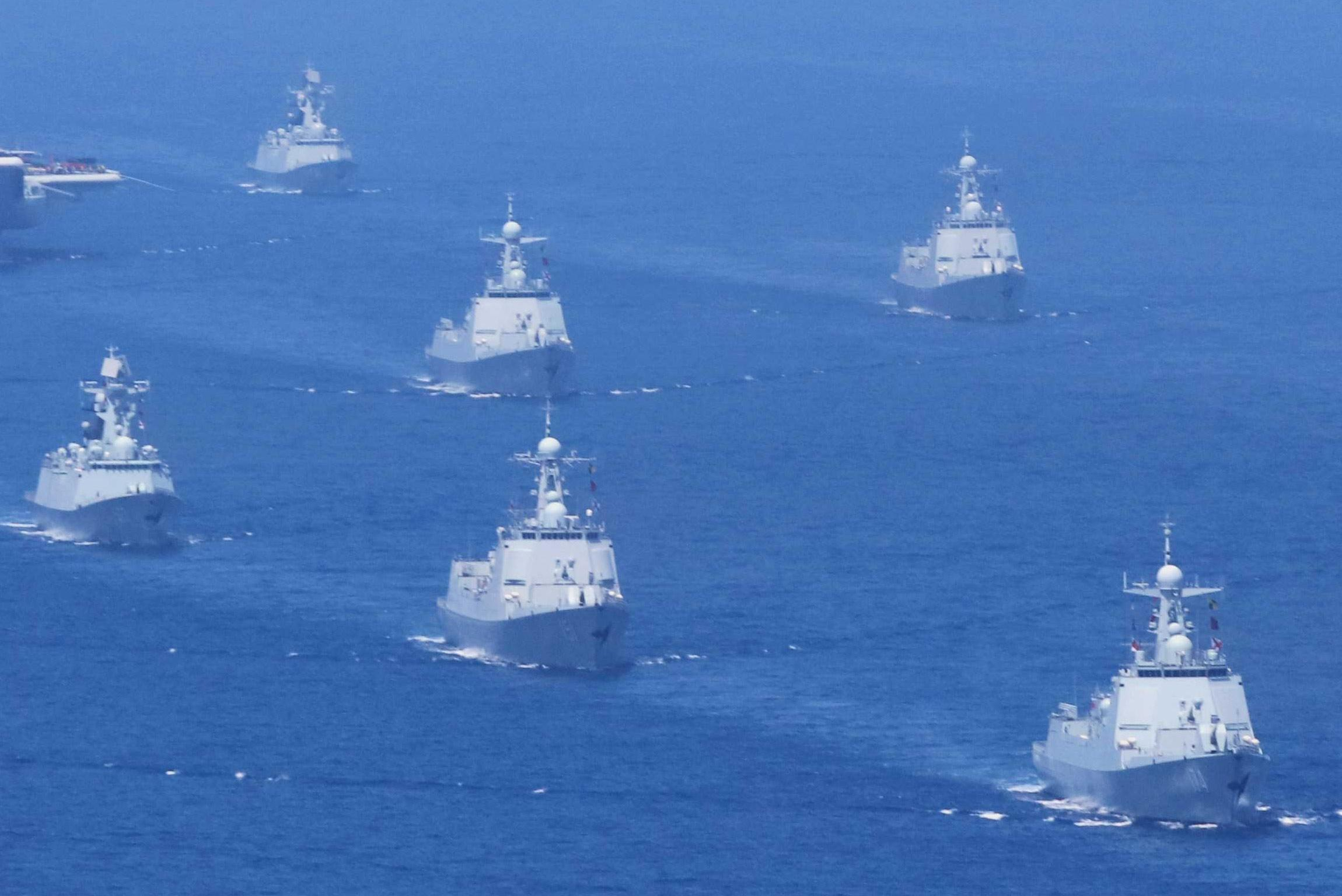 太尴尬:传台军阅舰式上水兵落水 军舰返港后才发现