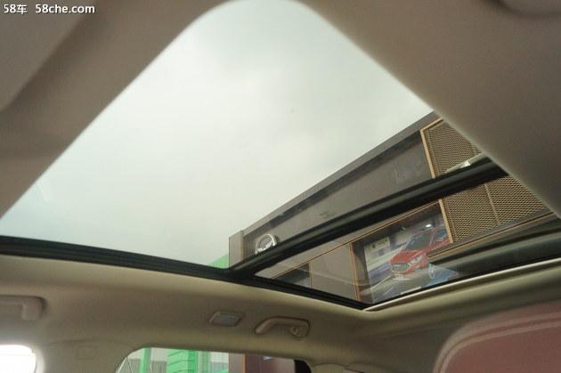 全系标配全景超大天窗 到店实拍君马S70