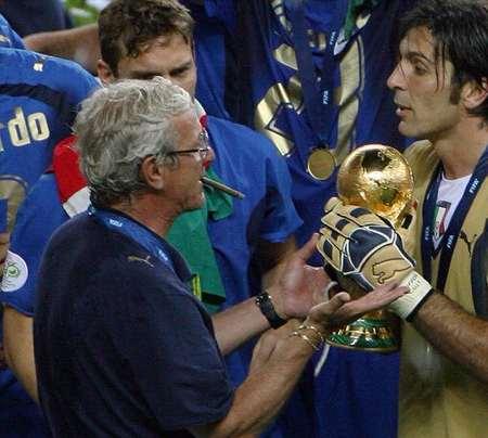 里皮:意大利足球没有危机,很难过裁判罚下布冯