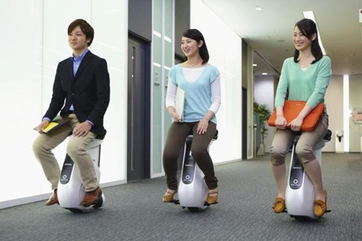 懒出天际!日本人造室内电动车,上班一步都不用走