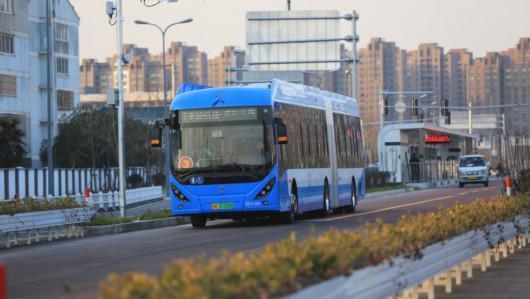 上海BRT通车:充电10分钟能