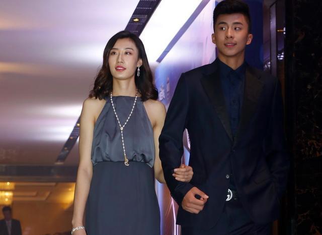 郎平在等另一惊喜!天津21岁国手又升级,中国女排有望现最强双塔