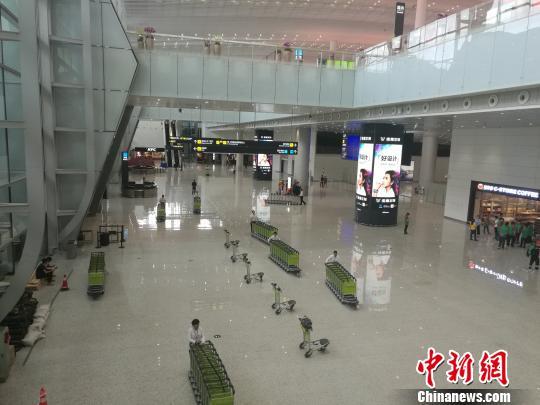 白云机场2号航站楼 郭军 摄